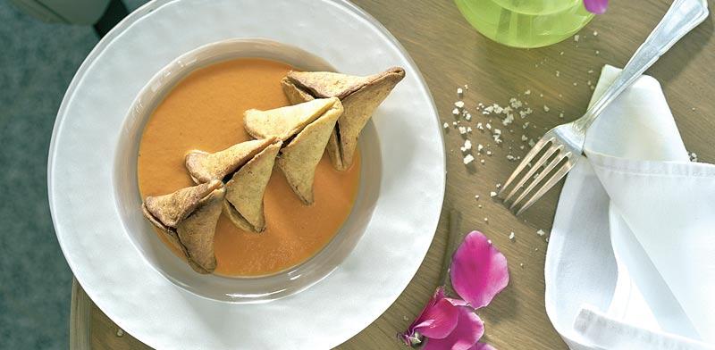 מסעדת מאייר,  כיסוני פטאייר, ממולאים זעתר ותרד ושוחים ברוטב פלפלים / צילומים: אנטולי מיכאלוב