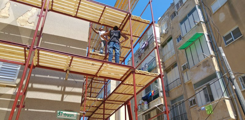 פועלים באתר בנייה / צילום: שאטרסטוק, א.ס.א.פ קריאייטיב