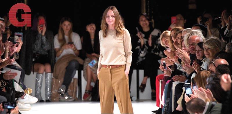 תצוגת אופנה של סטלה מקרטני / צילום: רויטרס - Charles Platiau' > <div class=