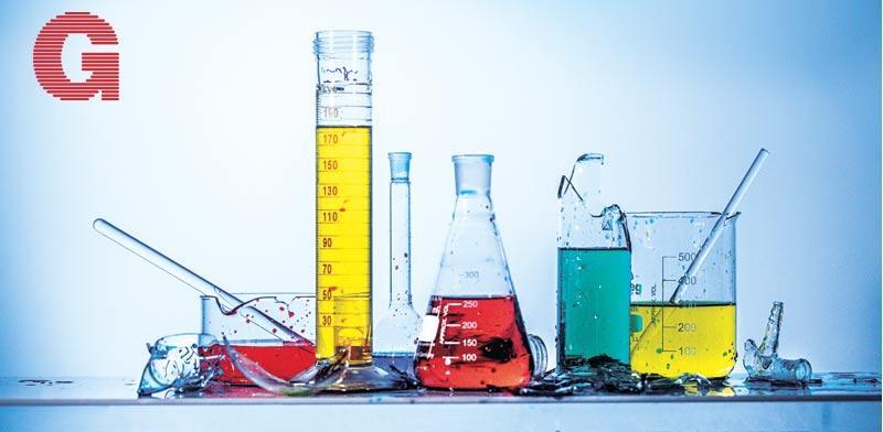 """ניסוי במעבדה  / צילום: כפיר זיו באדיבות חברת ביין מ. בע""""מ ציוד כללי למעבדות יצור כלי עבודה"""