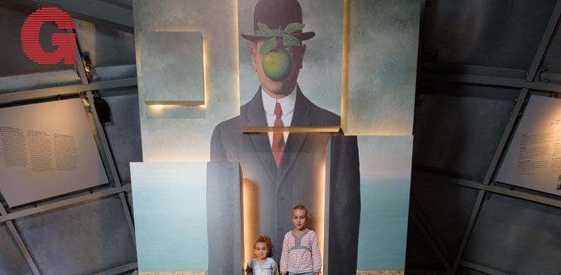 "תערוכת ""מגריט: האטומיום פוגש סוריאליזם"" / צילום: ATOMIUM-expoMagritte"