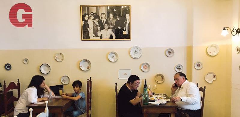 ראש העיר יונה יהב (מימין) במסעדת תלפיות / צילום: אילן פרון