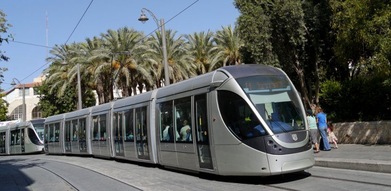 Jerusalem light rail Photo: Shutterstock ASAP Creative