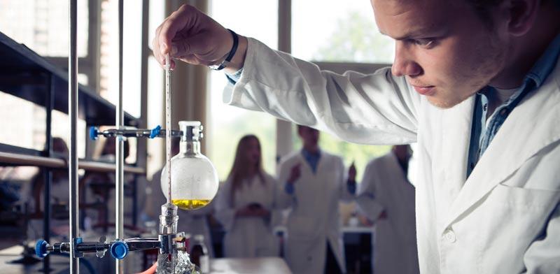 תרופות אימונותרפיות והביולוגיות  / צילום: Shutterstock/ א.ס.א.פ קרייטיב