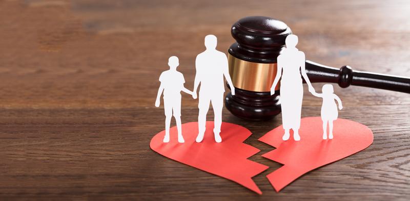 """בג""""צ: הורים במשמורת משותפת יתחלקו במזונות    / צילום:Shutterstock/ א.ס.א.פ קרייטיב"""