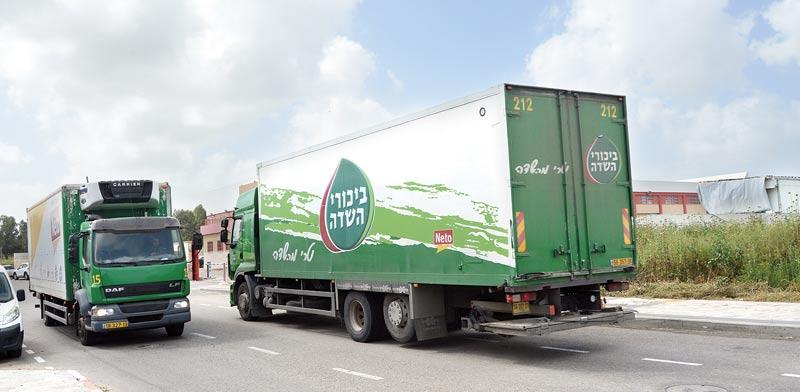 משאית של חברת ביכורי שדה / צילום: איל יצהר
