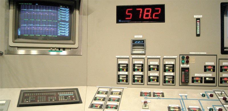 מתקן בקרה של חברת חשמל / צילום: תמר מצפי