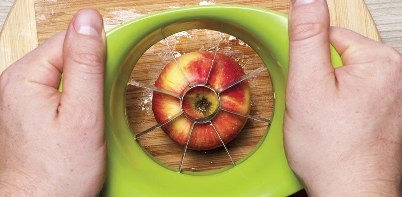 פורס תפוחים / צילום:  Shutterstock/ א.ס.א.פ קרייטיב