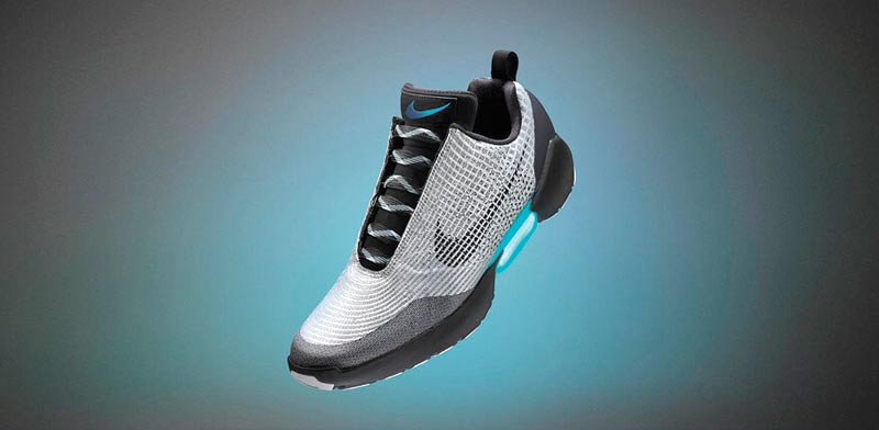 """נעלי נייקי עם שורך שרוכים אלקטרוני / צילום: יח""""צ"""