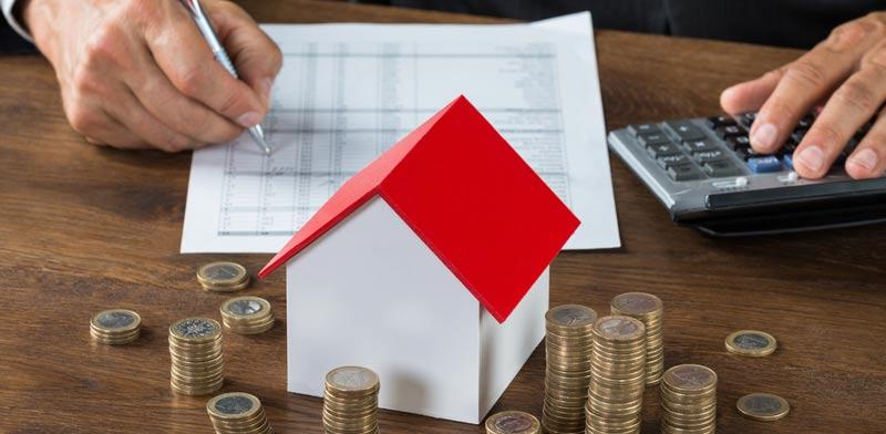 מהו חוק מס דירה שלישית ואיך תדעו כמה ומתי לשלם/ צילום:  Shutterstock/ א.ס.א.פ קרייטיב