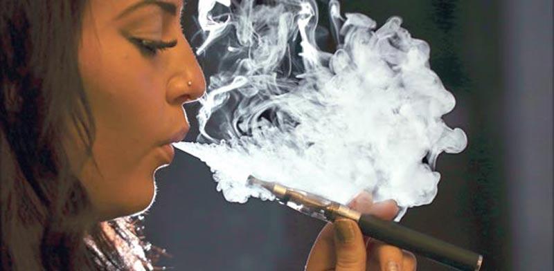 סיגריה אלקטרונית / צילום: רויטרס