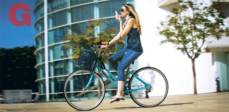 רוכבת אופניים בתל אביב - רוכבים על הכוונת - למצולמת אין כל קשר לכתבה / צילום: אריק סולטן