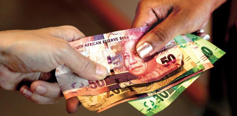 הראנד הדרום אפריקאי / צילום: בלומברג