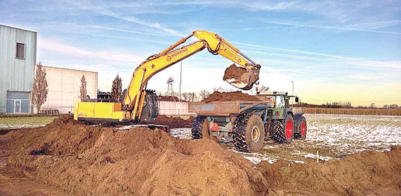 בניה של מתקן יצור גז בהולנד / הצילום: מצגת אלומיי קפיטל