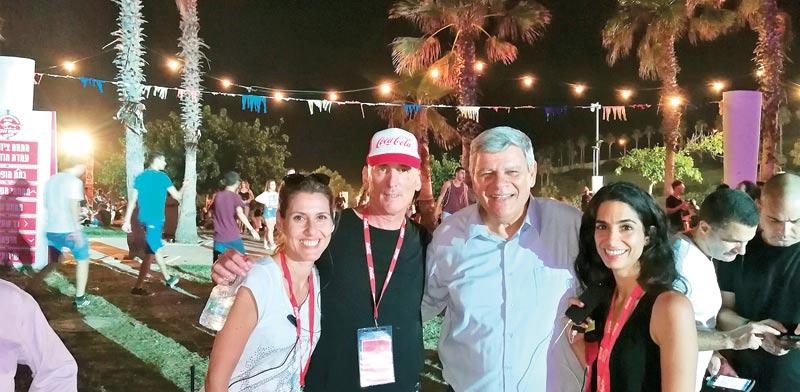גילי הייזלר, צביקה גנדלמן, הראל חייקין ושלי שמיר קינן / צילום:דוברות עיריית חדרה