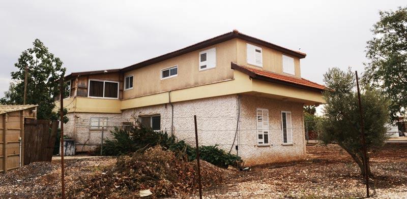 בית במושב / צילום: איל יצהר