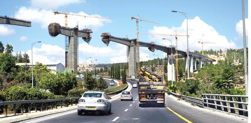 גשר הרכבת לירושלים/ צילום: איל יצהר