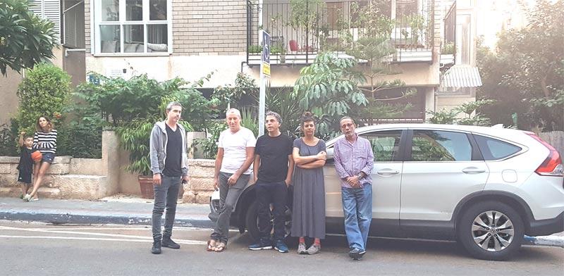השכנים ברחוב/ צילום: צאלה קוטלר