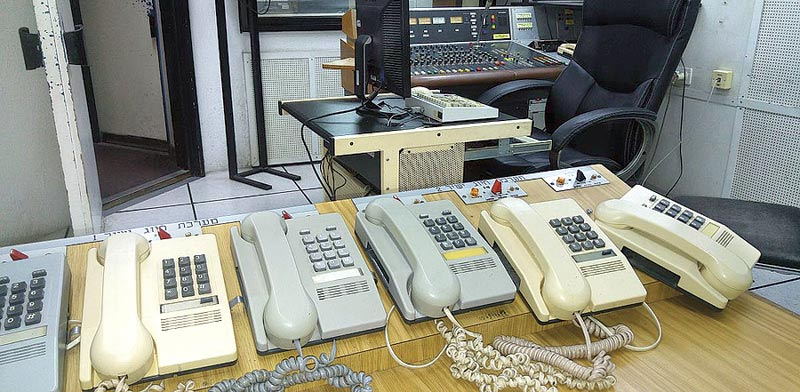 """טלפונים מדגם זמיר / צילום: """"טבעת-זרם"""""""