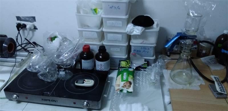 המעבדה לייצור הורמון גדילה / צילום: דוברות המשטרה