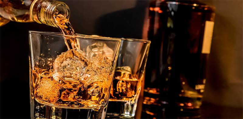 Whisky on the rocks Photo: Shutterstock