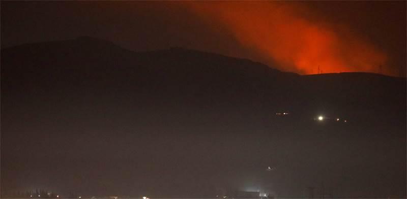 עשן מיתמר מעל שמי סוריה / צילום: רויטרס
