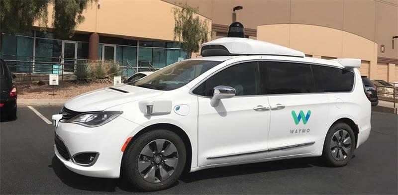 מכונית אוטונומית של וויימו / צילום: רויטרס