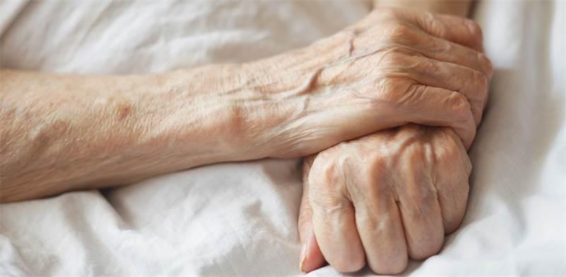 אישה הפורשת לגמלאות בגיל 62 צפויה לחיות כ-24 שנים נוספות / צילום: Shutterstock
