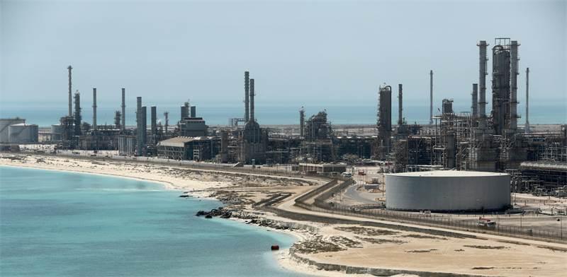 מזקקת נפט של ענקית הנפט הסעודית ארמקו / צילום: Ahmed Jadallah, רויטרס
