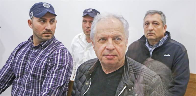 שאול אלוביץ וניר חפץ
