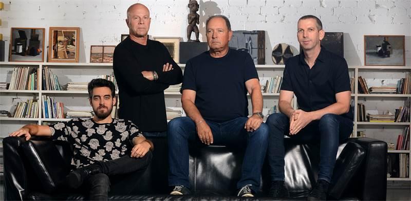 מימין: ניב חורש, משה ראובני, אודי פרידן, זיו קורן / צילום: איל יצהר