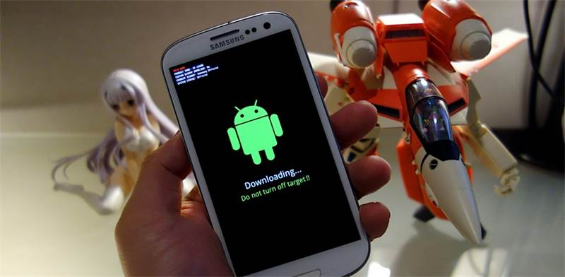 פריצת טלפון עם אנדרואיד / צילום: flickr, Danny Choo - cc by sa 2.0