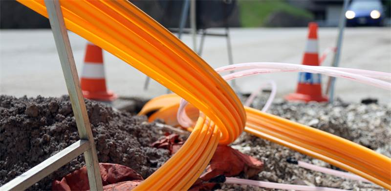 Fiber optic cables Photo: Shutterstock