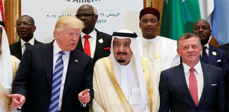 טראמפ, המלך סלמאן ומלך ירדן / צילום: ג'ונטן ארנסט, רויטרס