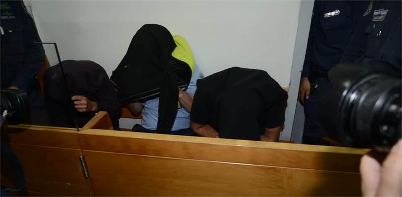 שלושת העצורים בבית המשפט בראשון-לציון / צילום: איל יצהר