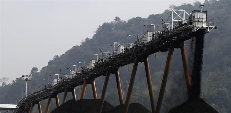 מכרה פחם באינדונזיה / צילום: רויטרס