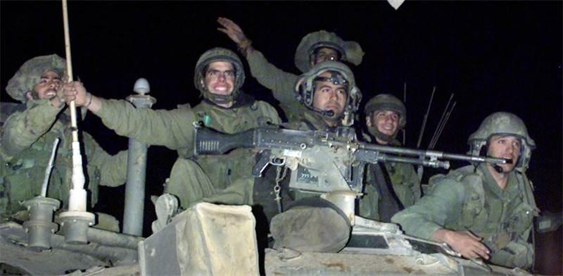 הנסיגה הישראלית מלבנון / צילום: רויטרס