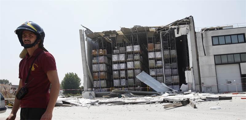 מפעל שנהרס ברעידת אדמה באיטליה / צילום: רויטרס