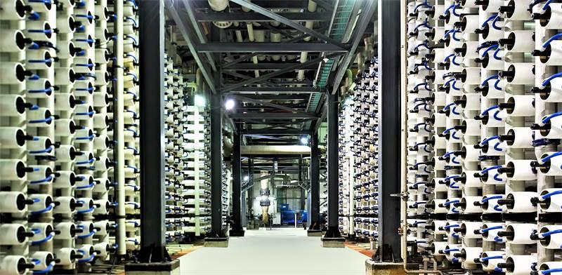 מתקן התפלה אשקלון, הפועל בשיטת האוסמוזה ההפוכה / צילום: שאטרסטוק