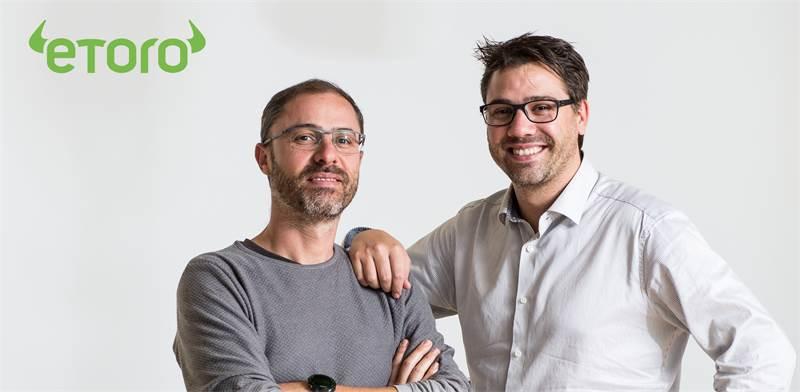 מימין: יוני ורונן אסיא, מייסדי eToro / צילום: eToro