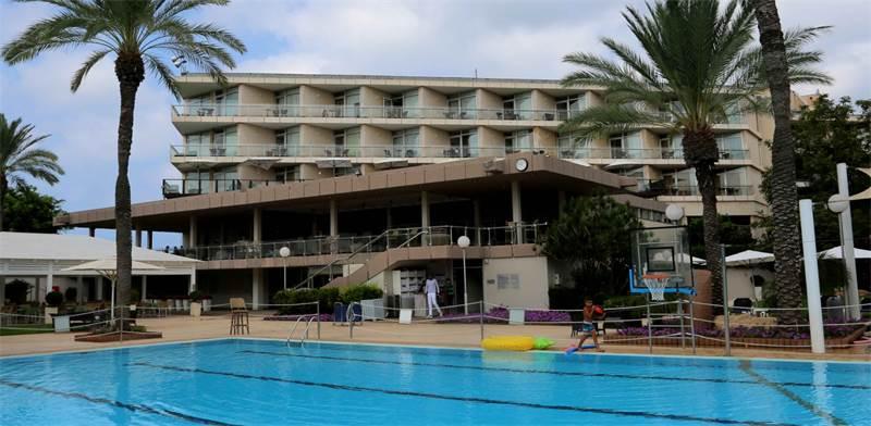 מלון דן קיסריה לפני השיפוץ / צילום: סיון פרג'