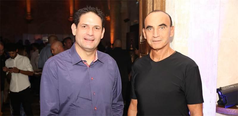 מימין: מיקי דיין ועדי כהן / צילום: ערן לם