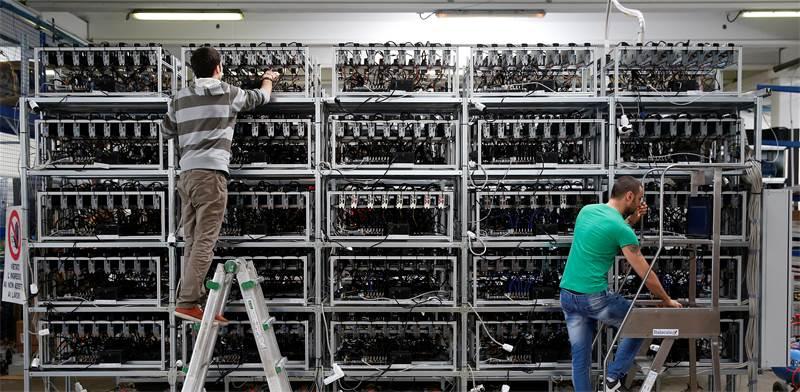 Bitcoin mining server farm  photo: Reuters