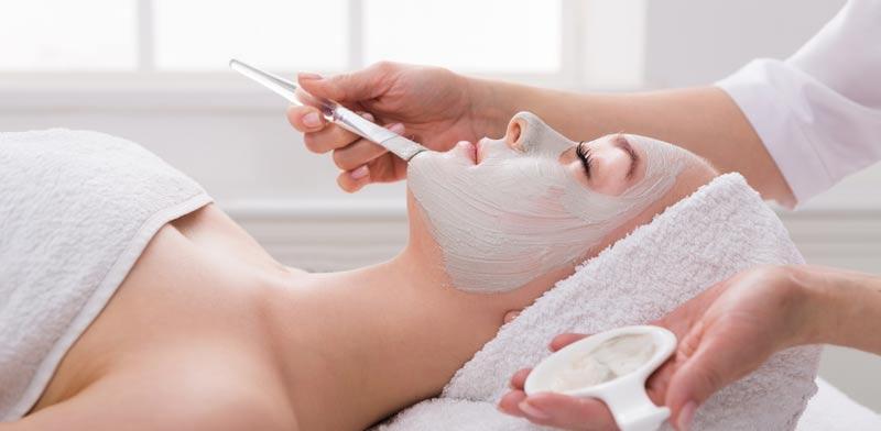 הפילינג מזרז את נשירת תאי העור /   צילום:Shutterstock/ א.ס.א.פ קרייטיב