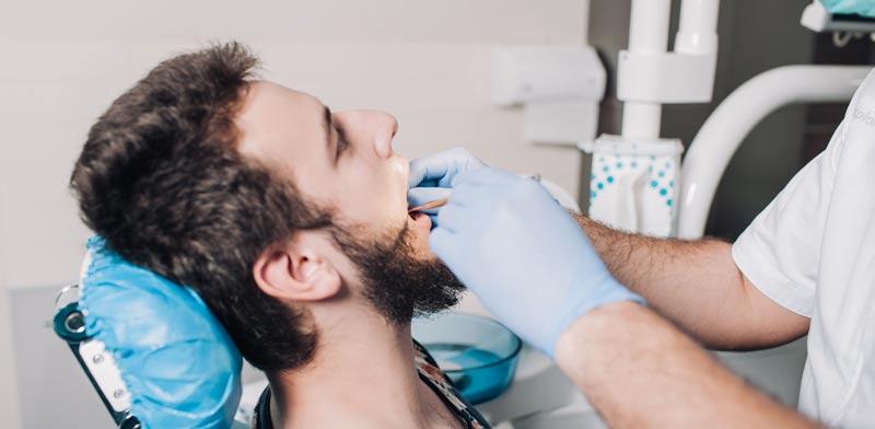 השתלת שיניים ביום אחד. לא מתאימה לכולם / צילום:Shutterstock :א.ס.א.פ קרייטיב