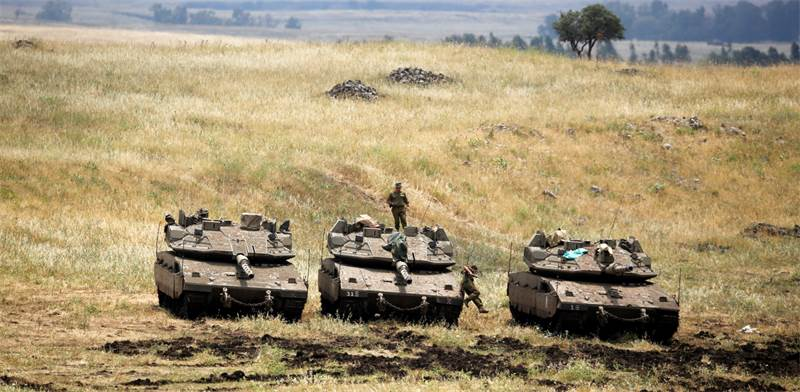 IDF forces on Syrian border  photo: Reuters