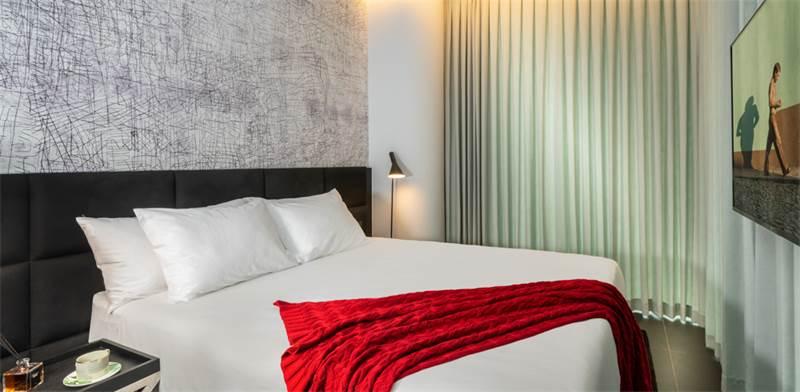 חדר במלון NYX / צילום: איה בן עזרי