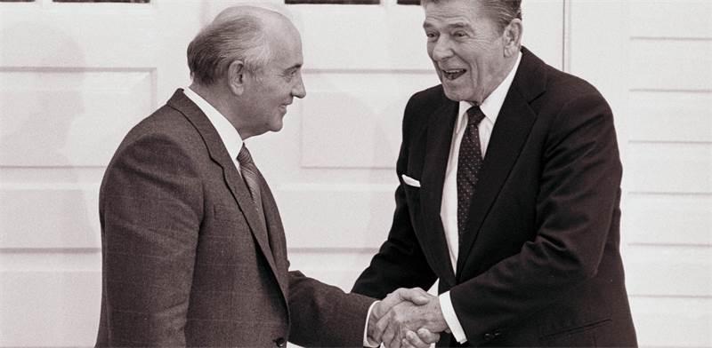 רייגן וגורבאצ'וב / צילום: רויטרס