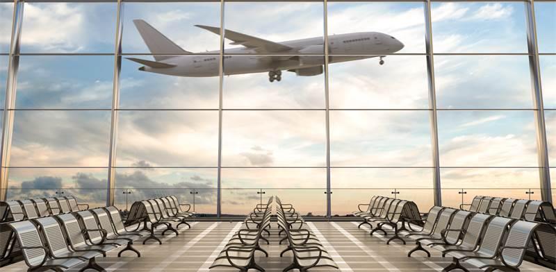 מטוס ממריא בנמל תעופה / צילום: shutterstock