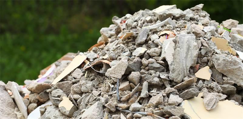 פסולת בנייה / צילום: שאטרסטוק
